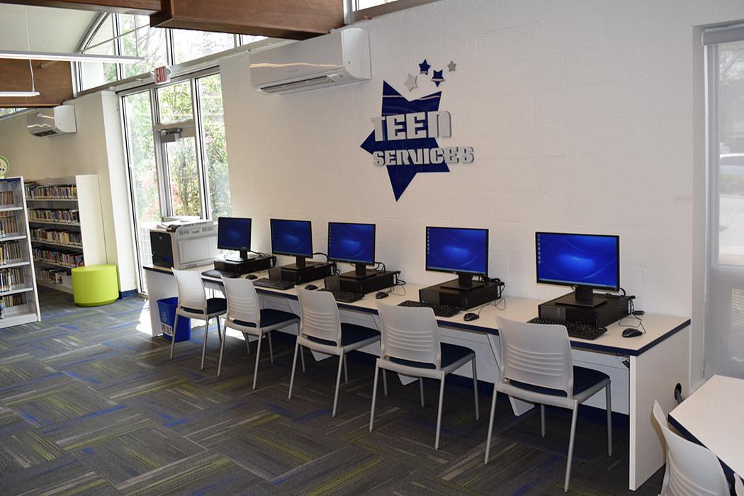 Peramus Custom Computer Table
